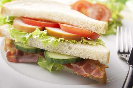 turkey bacon: Bacon, Turchia e pomodoro Sandwich Archivio Fotografico