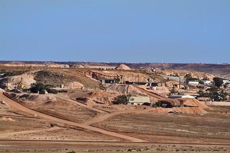 opal: Australia, opal mining village Coober Pedy