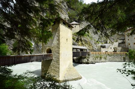 inn: Austria, Tyrol, former customs station Finstermuenz with bridge over Inn river, the border between Austria and Switzerland