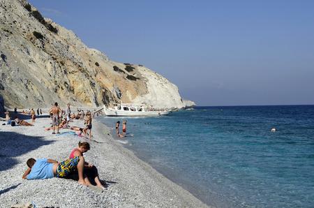 Skiathos, Griechenland - 3. Oktober 2012: Ausflugsschiff von Skiathos Stadt Lalaria Strand, der Strand ist erreichbar nur mit dem Boot und ein beliebtes Ziel für Touristen und Einwohner zu entspannen und schwimmen Standard-Bild - 44781906