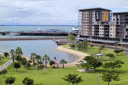 recreation area: Australia, homes on recreation area with lagoon on Waterfront precinct in Darwin