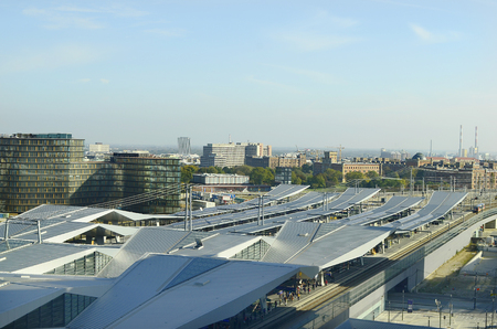 arsenał: Austria, Vienna, new train station -Suedbahnhof - and Arsenal building behind Publikacyjne