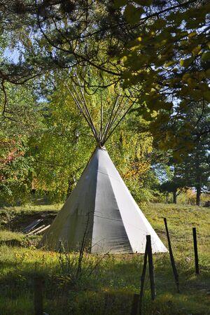 tipi: American Indian tent - Tipi