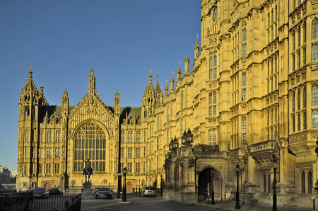 houses of parliament: Great Britain, London, Houses of Parliament and memoria for King Lionheart Editorial