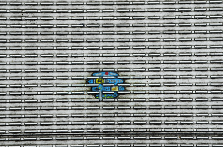 goma de mascar: London, United Kingdom - January 17th 2016: Miniature paintings made from chewing gum by artist Ben