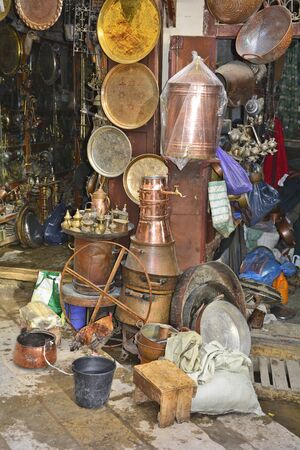 fes: Morocco, hand made brass articles on place es-Seffarine in souk fes el-Bali Stock Photo