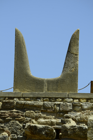 bull horn: Greece, Crete, symbolic bull horn in the archealogical site of ancient Minoan palace in Knossos