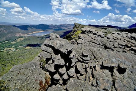 pinnacle: Australia, view from Pinnacle Lookout to lake Bellfield in Grampians nationalpark