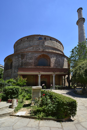 rotunda: Thessaloniki, Greece - June 09, 2017: Ancient building Rotunda with minaret, former mosque and church, a Unesco World Heritage site in the city in Central Macedonia Editorial