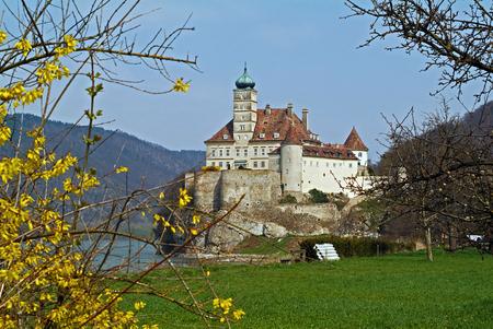 Österreich, Abtei Schoenbuehel im Donautal