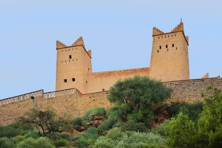 Mittelalterliche Festung in Beni Mellal nannte Kasbah Ras el-Ain alias Kasbah Ain Asserdoun, Marokko. Standard-Bild - 86278146
