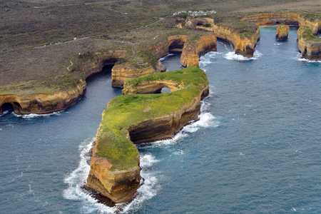 Australia, Victoria, Great Ocean Road, Mutton Bird Island and coast in Port Campbell National Park