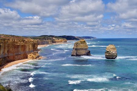 Australia, VIC, coastline on Great Ocean Road in Port Campbell National Park