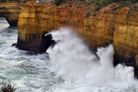 Australia, VIC, stormy sea and waves on Loch Ard Gorge in Port Campbell National Park