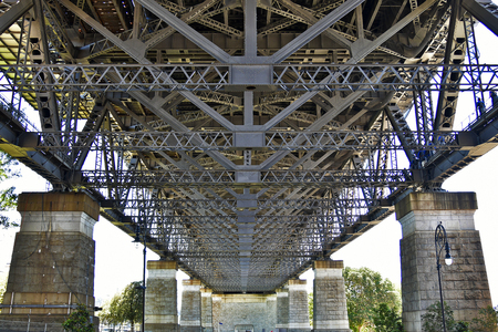 Australia, NSW, complex concrete and steel structure of Sydney Harbour Bridge Standard-Bild - 118981145
