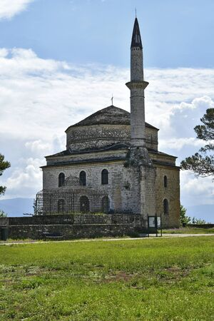 Greece, Ioannina,  Fetije Mosque with Mausoleum of Ali Pasha in front, situated in the medieval fortress 版權商用圖片