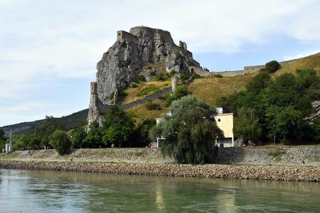 Slovakia, medieval castle Devin on Danube river on the border to Austria 版權商用圖片 - 134991432
