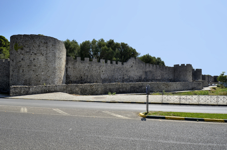 Greece, Arta, fortified wall of the medieval castle 版權商用圖片 - 134991443