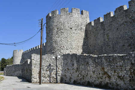 Greece, fortified wall of fortress of Arta in Epirus county 版權商用圖片 - 134991450