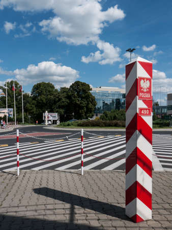 Slubice is a town in western Poland on border to Germany. By 1945 Slubice belonged as Dammvorstadt or Garden City to Frankfurt-Oder. Editorial