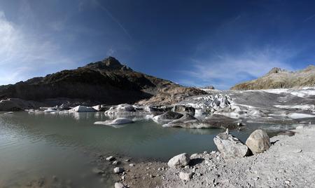 calving: Glacier calving in a lake
