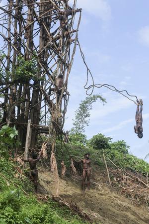 バンジー ジャンプ 起源