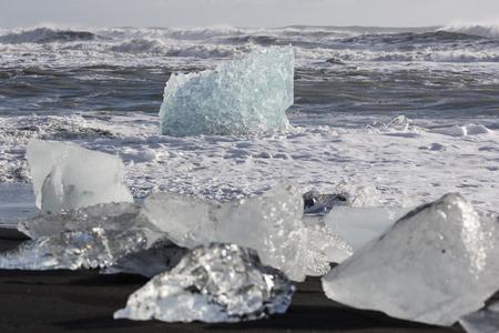 Ice Beach at Jokulsarlon glacier lagoon in Iceland Imagens