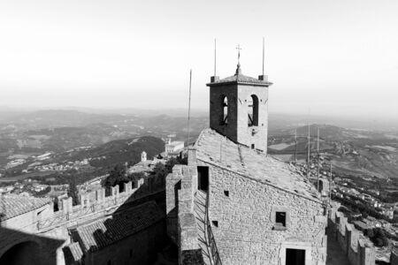 Guaita Castle in San Marino. Exterior of Rocca della Guaita castle. Banco de Imagens - 136498954