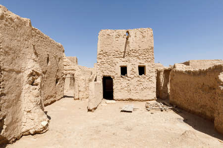 Abandoned houses in the traditional construction of Arabic architecture in Qusur al Muqbil near Riyadh in Saudi Arabia Imagens