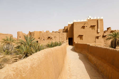 Ushaiger, Ar Riyadh in Saudi Arabia. A traditional restored village made of clay bricks. Ushaiger is one of the Heritage Villages in the Kingdom of Saudi Arabia Imagens