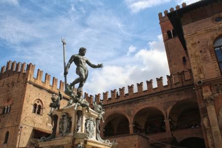 Nettuno bologna castello Archivio Fotografico - 24376433
