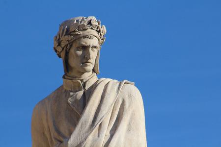 FLORENCE, ITALY - NOVEMBER, 2015: Dante Alighieri monument, detail, Santa Croce cathedral Editoriali