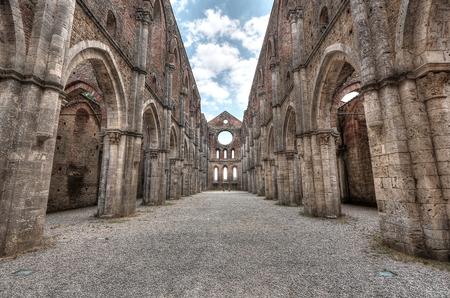 San Galgano Abbey, Toscane, Italië, toeristische plaats Stockfoto - 84784309
