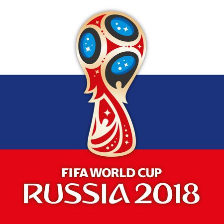 MOSCA, RUSSIA, giugno 2018 - Russia 2018 logo della Coppa del Mondo e la bandiera della Russia Archivio Fotografico - 88873937