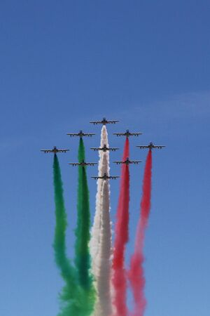 MODENA, ITALY, June 21, 2019 - Frecce Tricolori evolutions in the sky Archivio Fotografico - 125990565