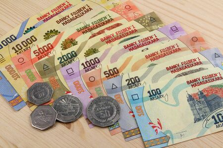 Ariary, Banknotes and Coins of the state of Madagascar