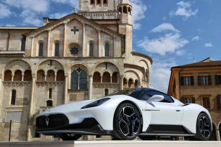 MODENA - ITALY - September 10, 2020 - Public presentation of the new Maserati MC20 in Piazza Grande square Stockfoto - 155113517