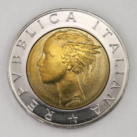 500 Lire 1984, Italian old lire coin, back side, Italy, vintage Archivio Fotografico - 162843183