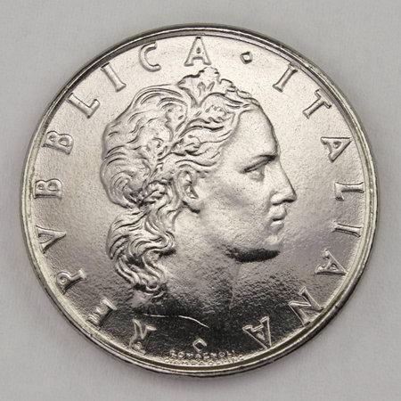 50 Lire 1984, Italian old lire coin, back side, Italy, vintage Archivio Fotografico - 162843184