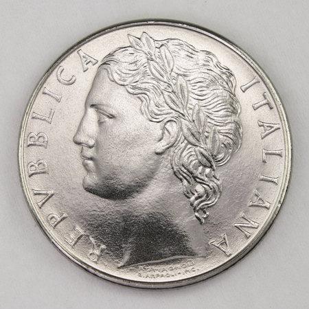 100 Lire 1984, Italian old lire coin, back side, Italy, vintage Archivio Fotografico - 162843185