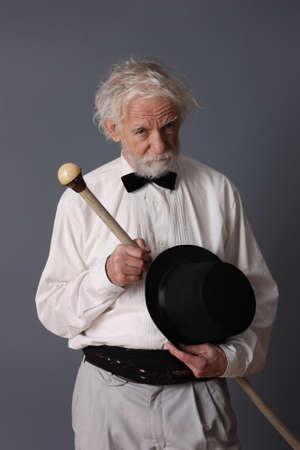 aristocrático: Hombre de mediana edad aristocr�tica con palo