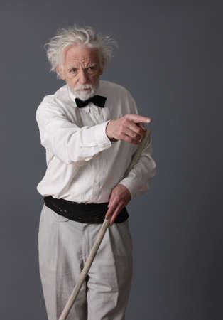 aristocrático: Hombre de mediana edad aristocr�tica decir atenci�n