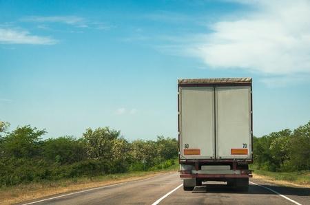 Freight transportation on lane highway