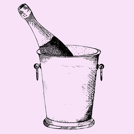 Champagne fles in een ijsemmer op roze achtergrond