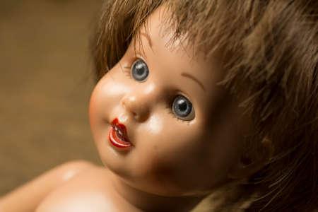 La cara de una muñeca