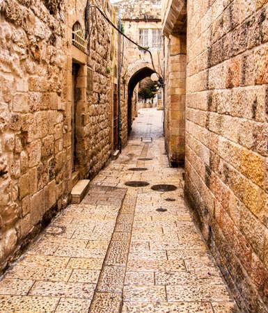 エルサレム ユダヤ人地区の古代の路地