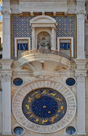 st  mark s: Orologio Astronomico di Torre San Marco s Piazza Piazza San Marco, Venezia, Italia Archivio Fotografico