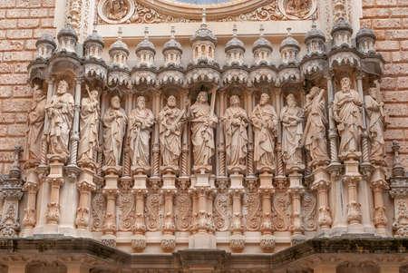 Statues of Santa Maria de Montserrat Abbey in Monistrol de Montserrat, Barcelona, Catalonia, Spain Stockfoto