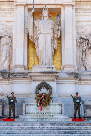 ROME,ITALY - October 21,2019 : Tomb to the unknown soldier at the National Monumento of Vittorio Emanuele II in Rome 新闻类图片