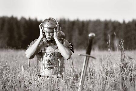 soldati romani: Un soldato romano in campo. Il concetto di guerra